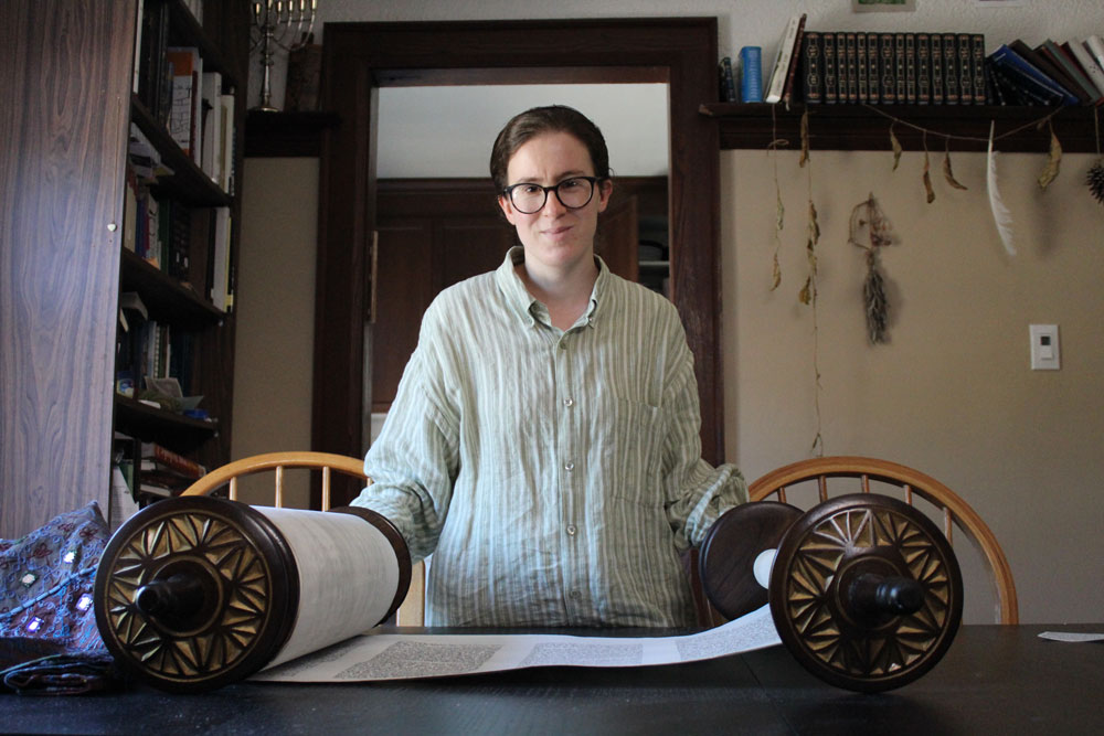 Rabbi Yonah with the Torah she scribed